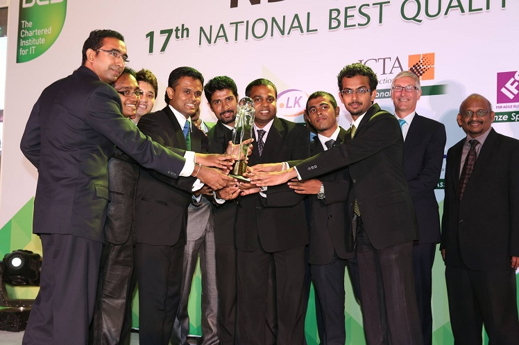 The team at Zone24x7 seen here receiving the overall Gold award at the NBQSA 2015